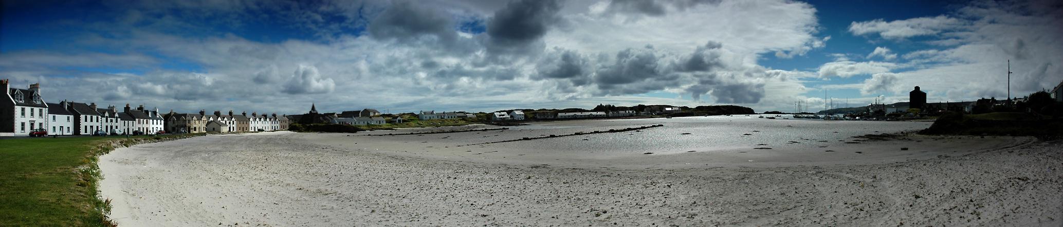Strand+Hafen von Port Ellen Isle of Islay - im Gegenlicht