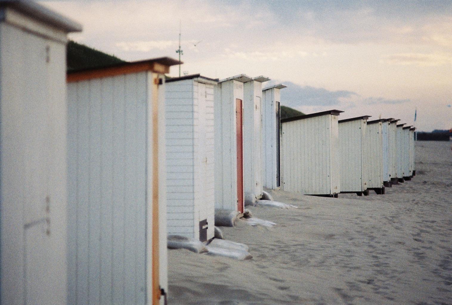 Strandhütten mit etwas Farbe