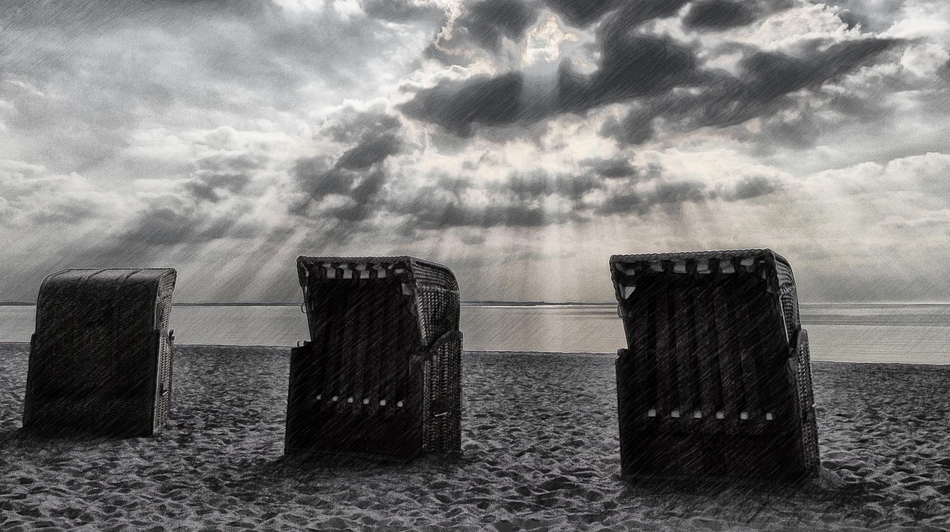 strandkörbe im abendlicht ...