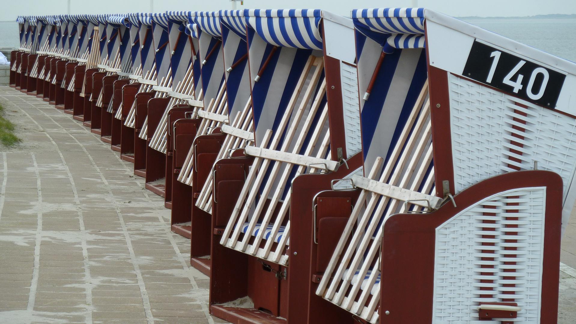 Strandkörbe zum Saisonende