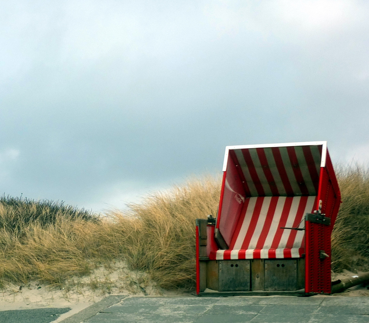Strandkorb Rot-Weiß