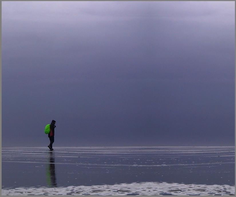 Strandwanderer(2). Auf dem Weg in die Einsamkeit