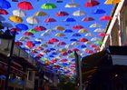Straße der bunten Schirme!