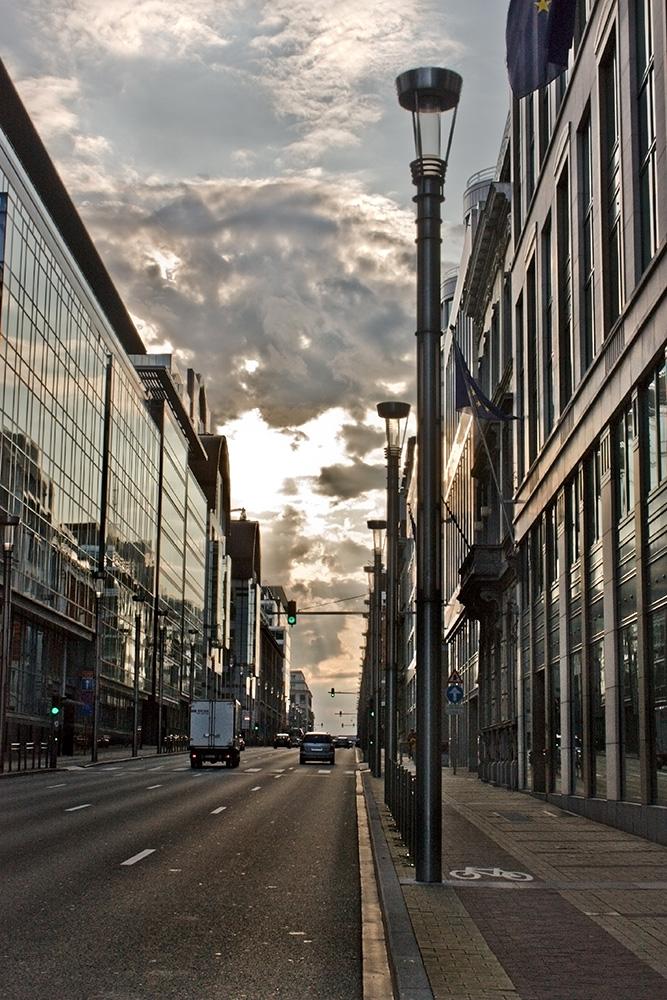 Straße in Brüssel am Abend