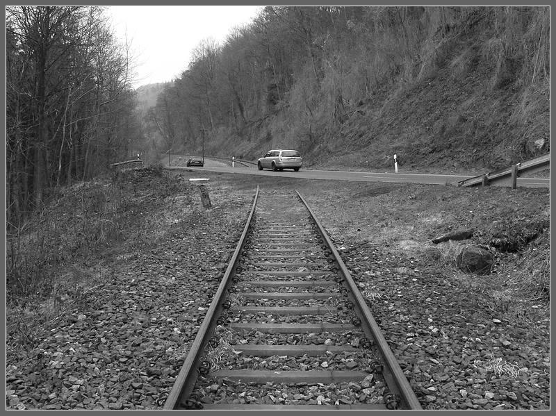 Strasse über Schienen