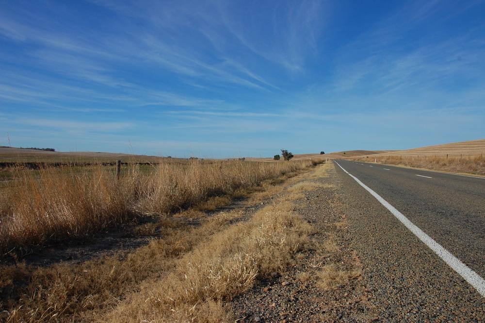 Straße+blauer Himmel