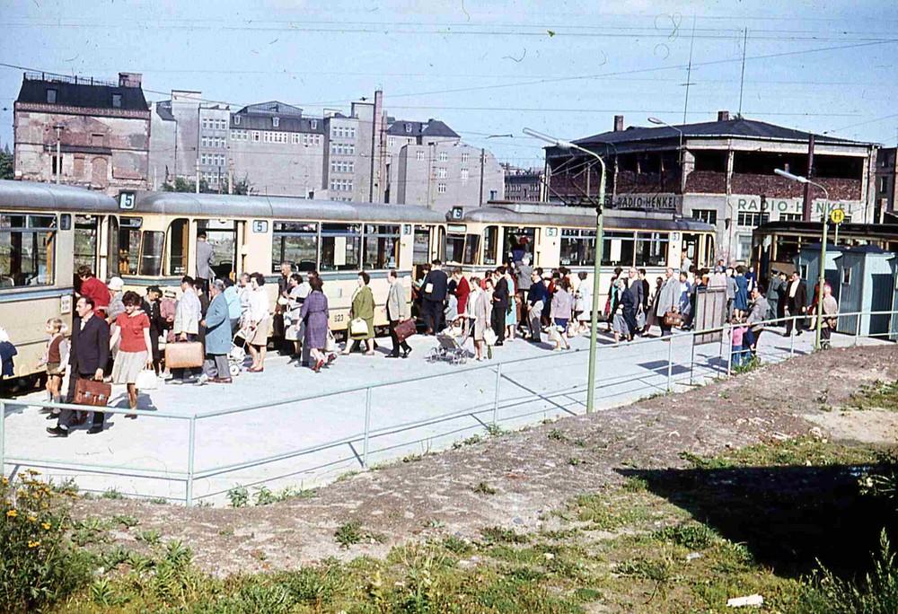 Straßenbahnhaltestelle 1962 in Karl-Marx-Stadt