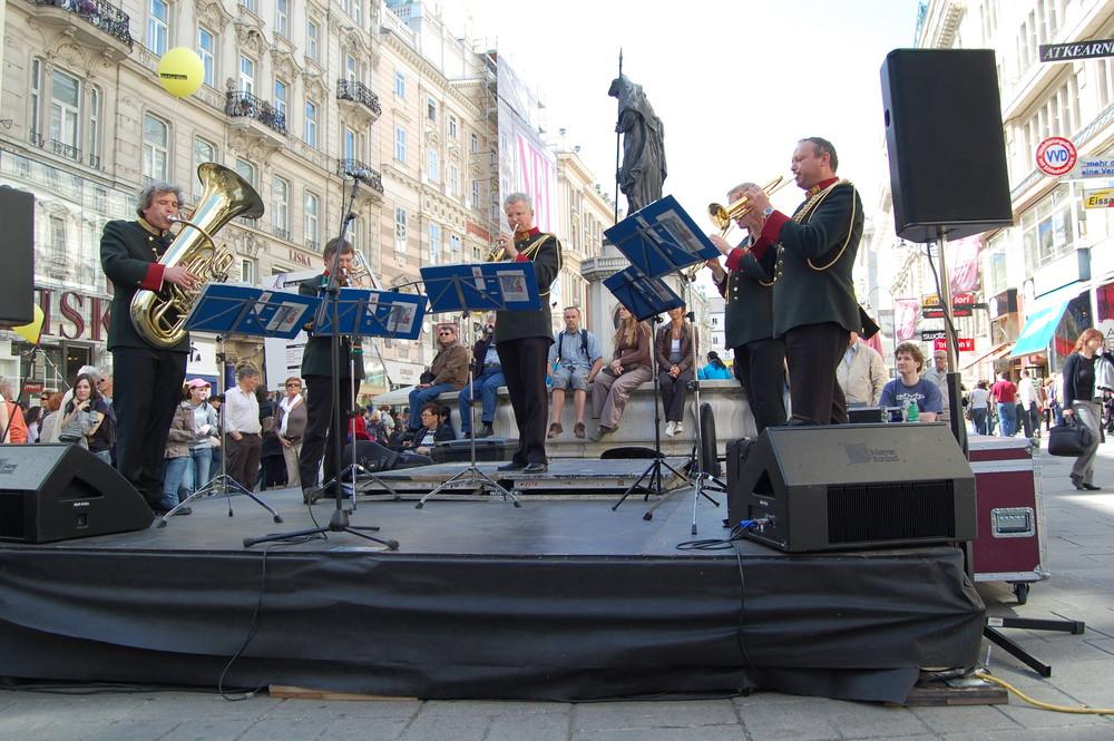 Strassenfest in der Kärntnerstrasse in Wien