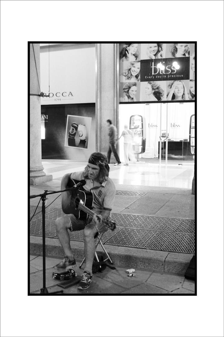 Straßenmusiker in Mailand