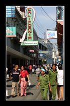 Straßenscene in Santiago de Cuba -2-