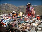 Strassenverkäuferin am Colca Canyon