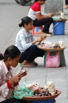 Strassenverkäuferinnen Hanoi