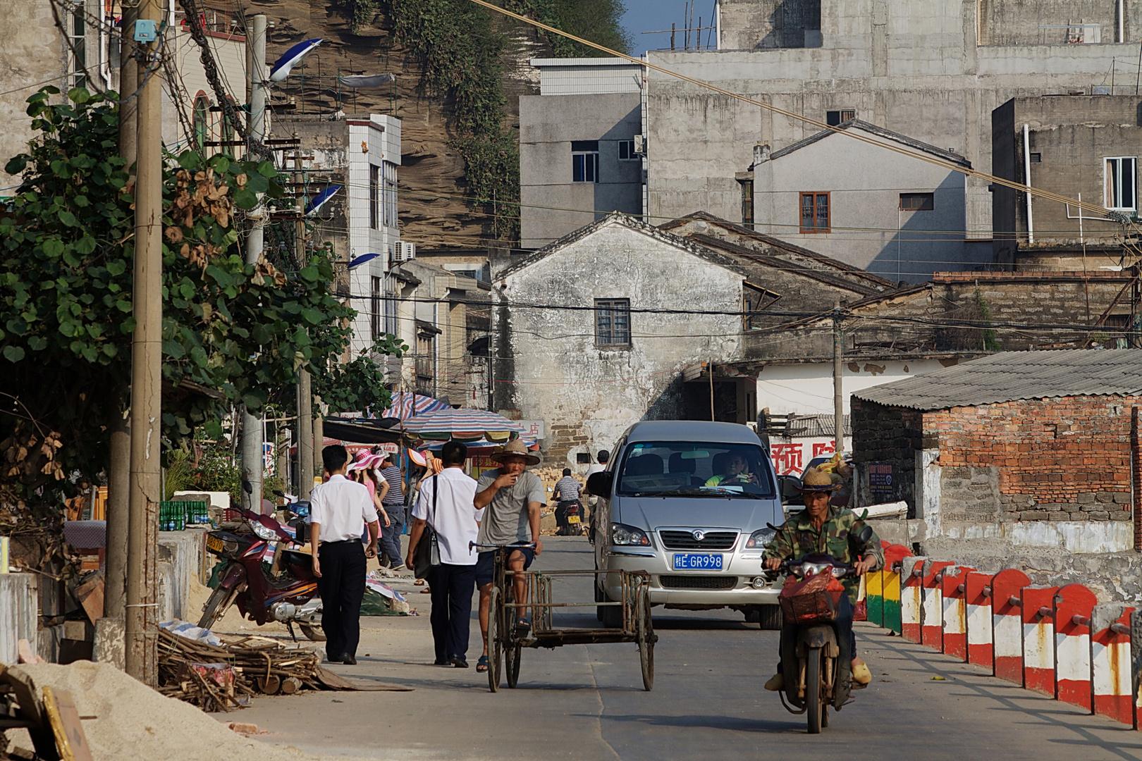 Straßenverkehr in Weizhou Zhen