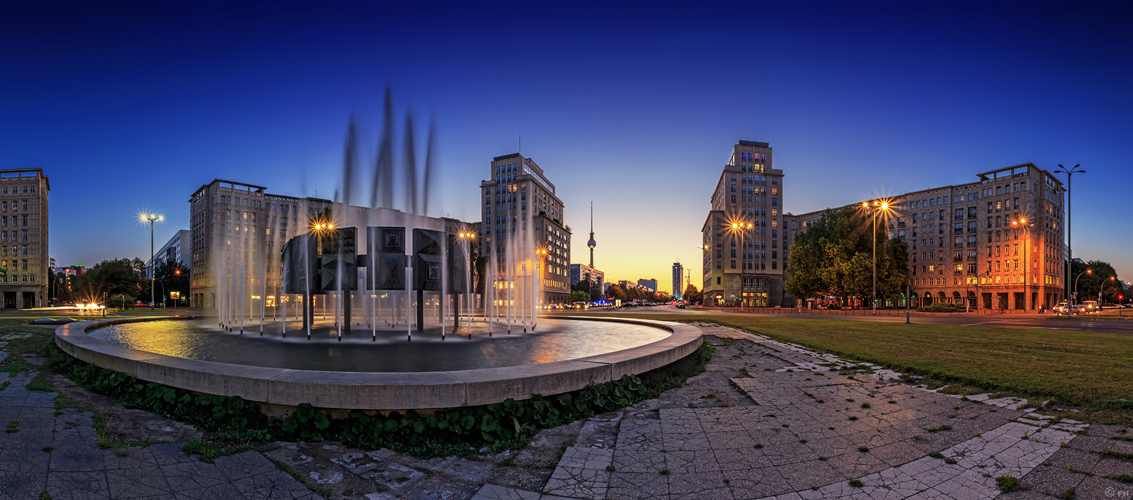 Strausberger Platz - Berlin Skyline
