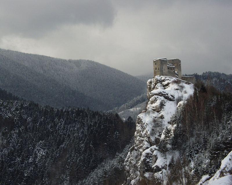 Strecno castle
