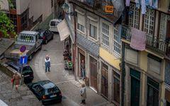 Street life in Porto
