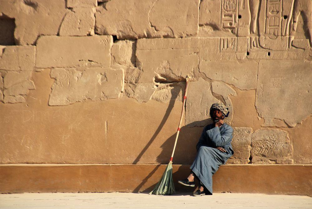 street Mann Besen egypt E-99