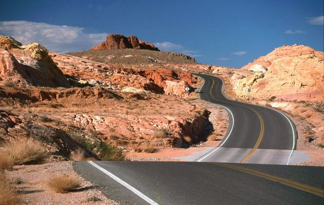 Street @Valley of Fire State Park