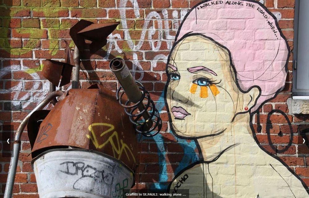 streetart ALONE GIRL HH s1