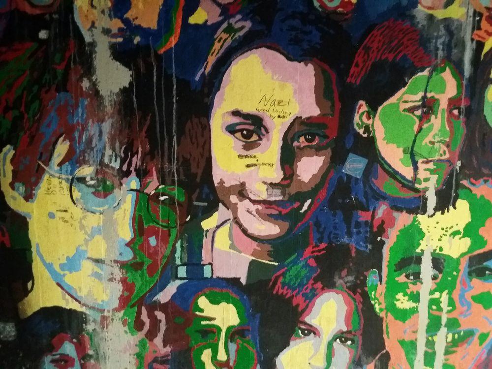 Streetart Colored Faces F-11 +5Fotos