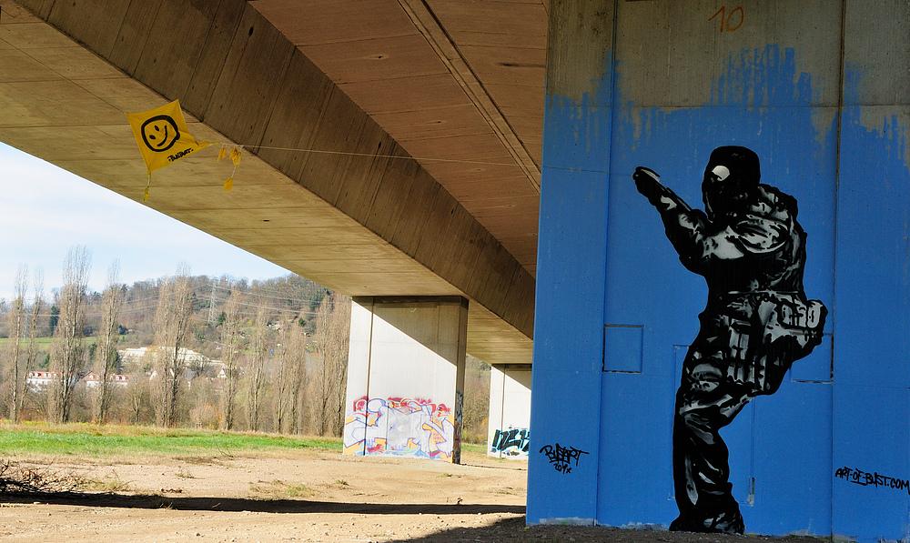 Streetart in Lörrach unter d. A-98 Nr.12