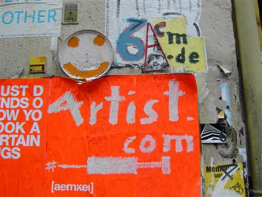 streetart objects above a temporary arrangement