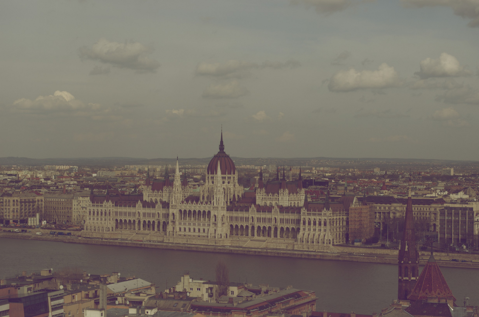 Street_Parliament_Budapest