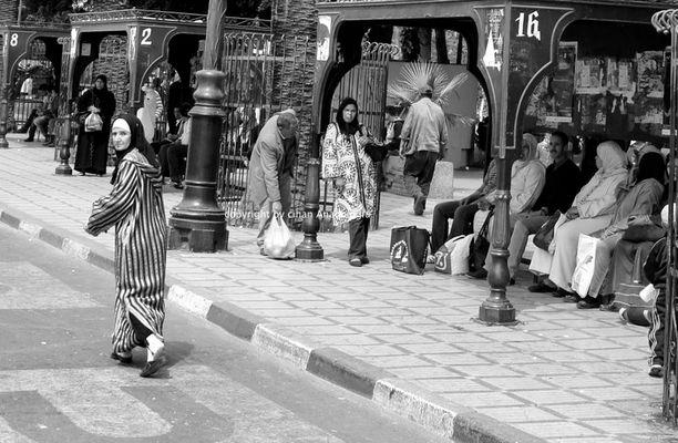 streets of marrakech - running women