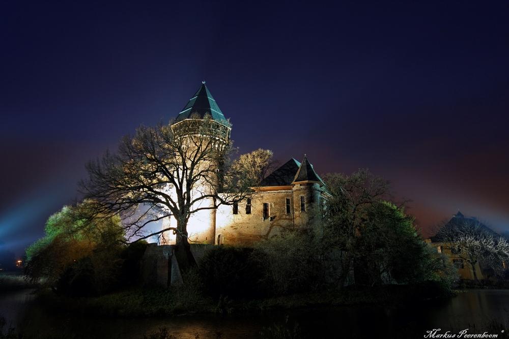 Streulichter um Burg Linn