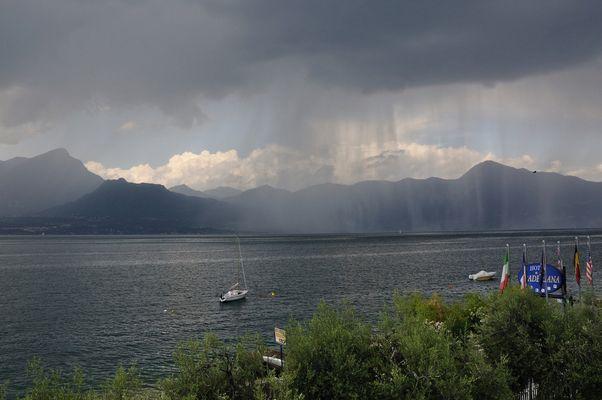 Strichweise Regen