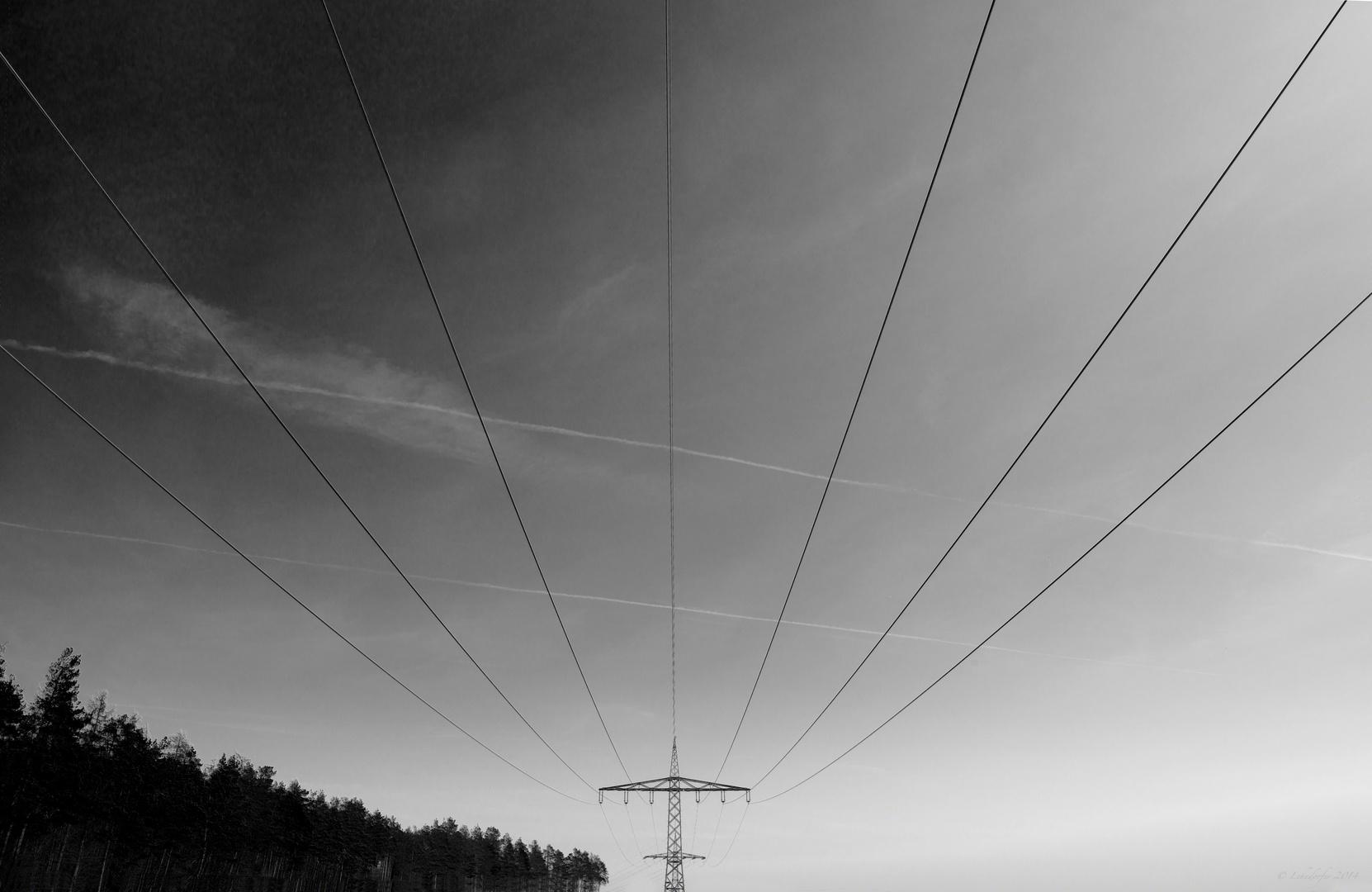 Strom durchzieht das Land