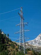 Strom in den Bergen