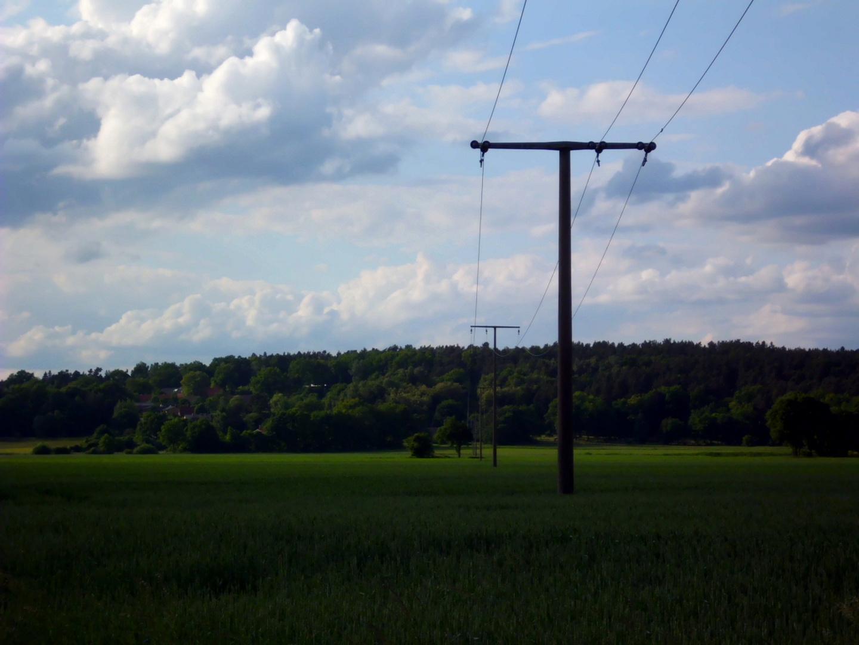 Stromleitungen in Richtung Brünkendorf