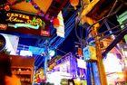 Stromverlegung auf Thailändisch / Khao Sarn Road Bangkok