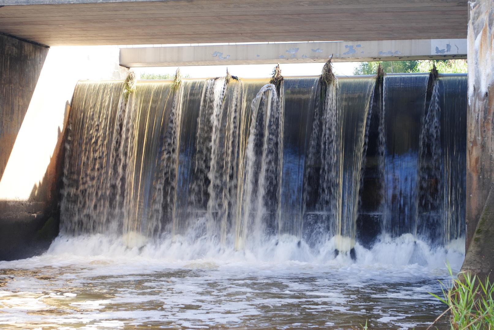 stürzende Fluten