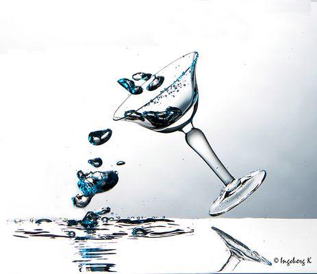 Stürzendes Glas