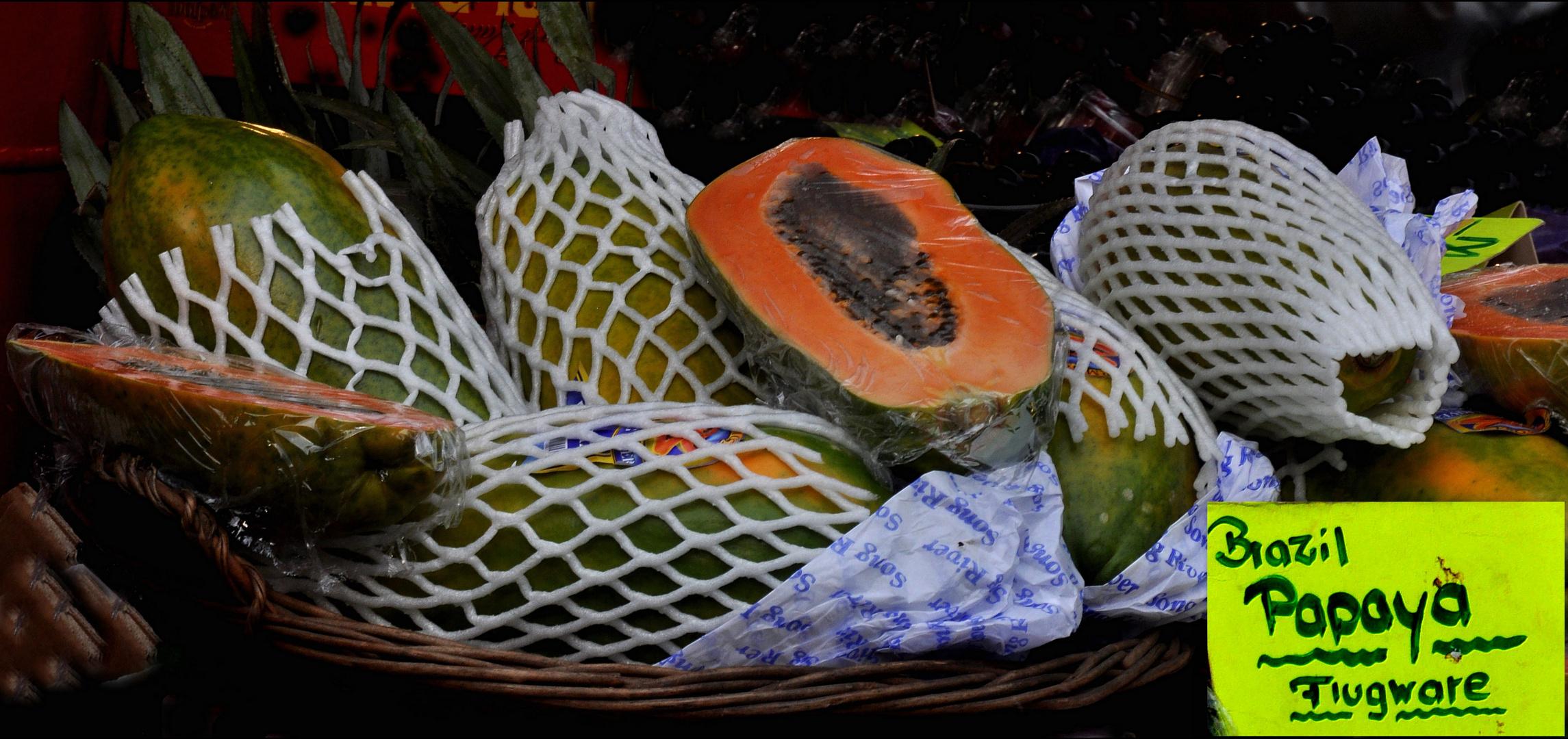 Stützstrümpfe für Papayas.....bei dieser langen Reise doch sehr sinnvoll....