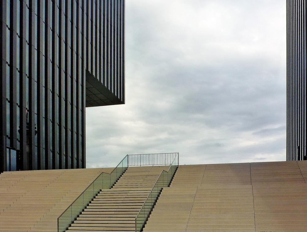 Stufen im Medienhafen Düsseldorf