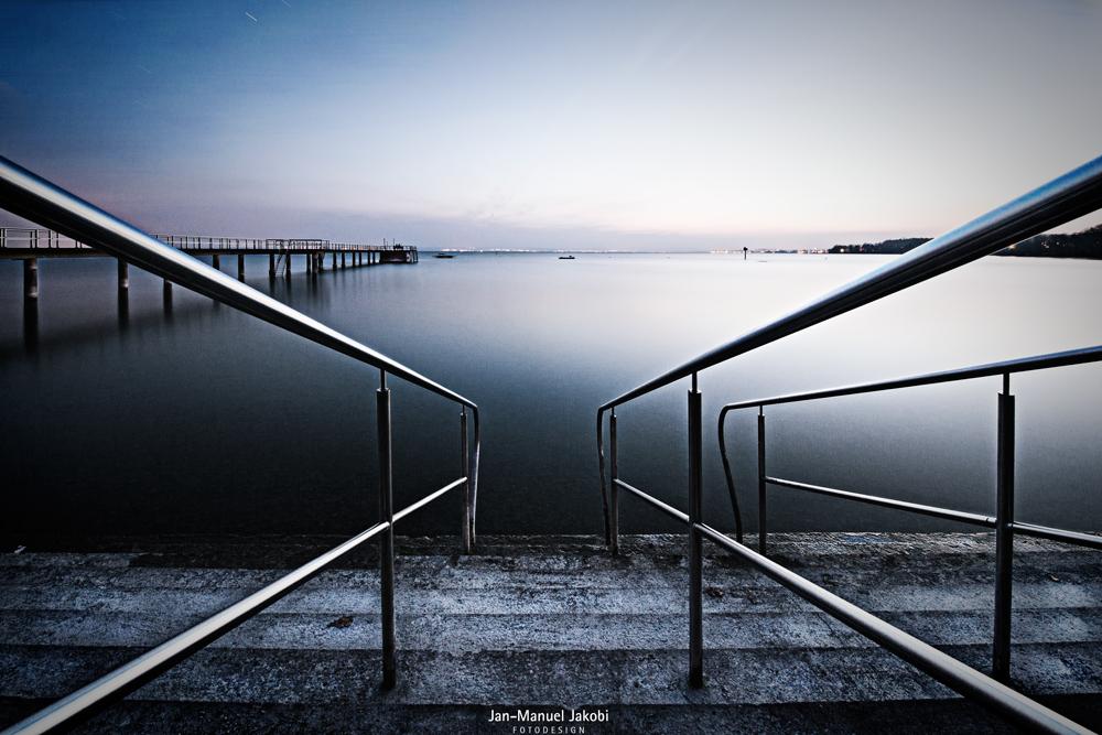 Stufen zum See