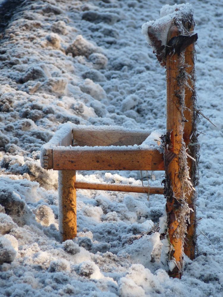 Stuhl am Wegesrand