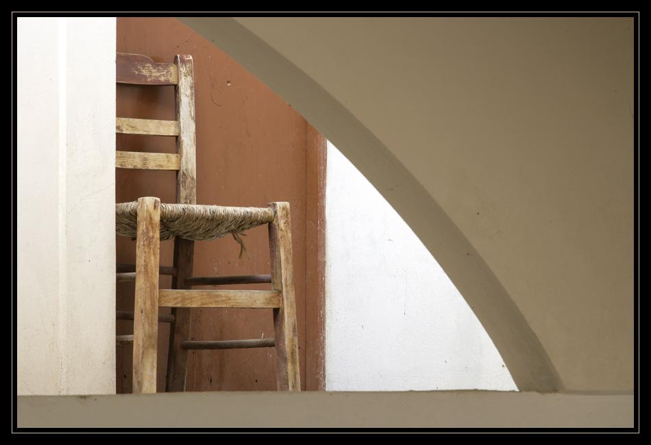 Stuhl im Kloster (RELOAD)
