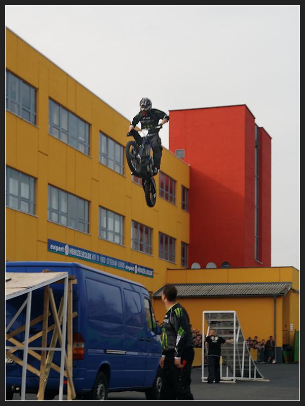 Stunt mit dem Motorrad