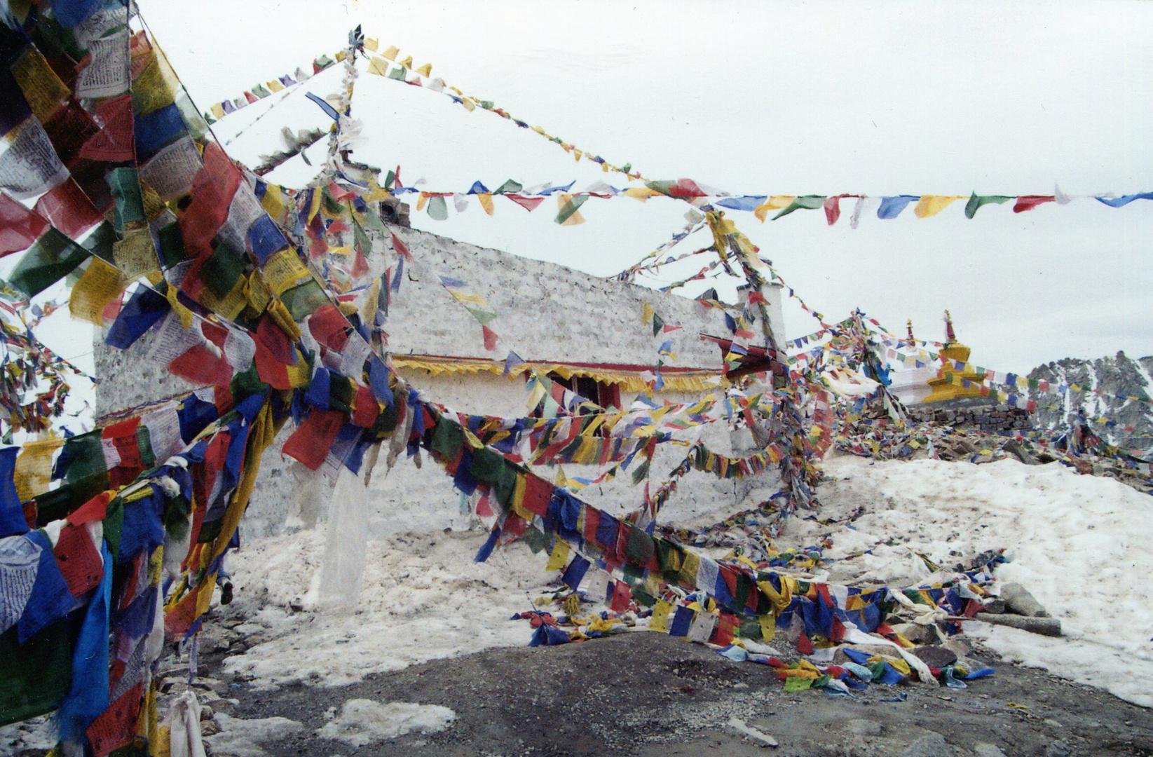 Stupa , Kardhung La , India