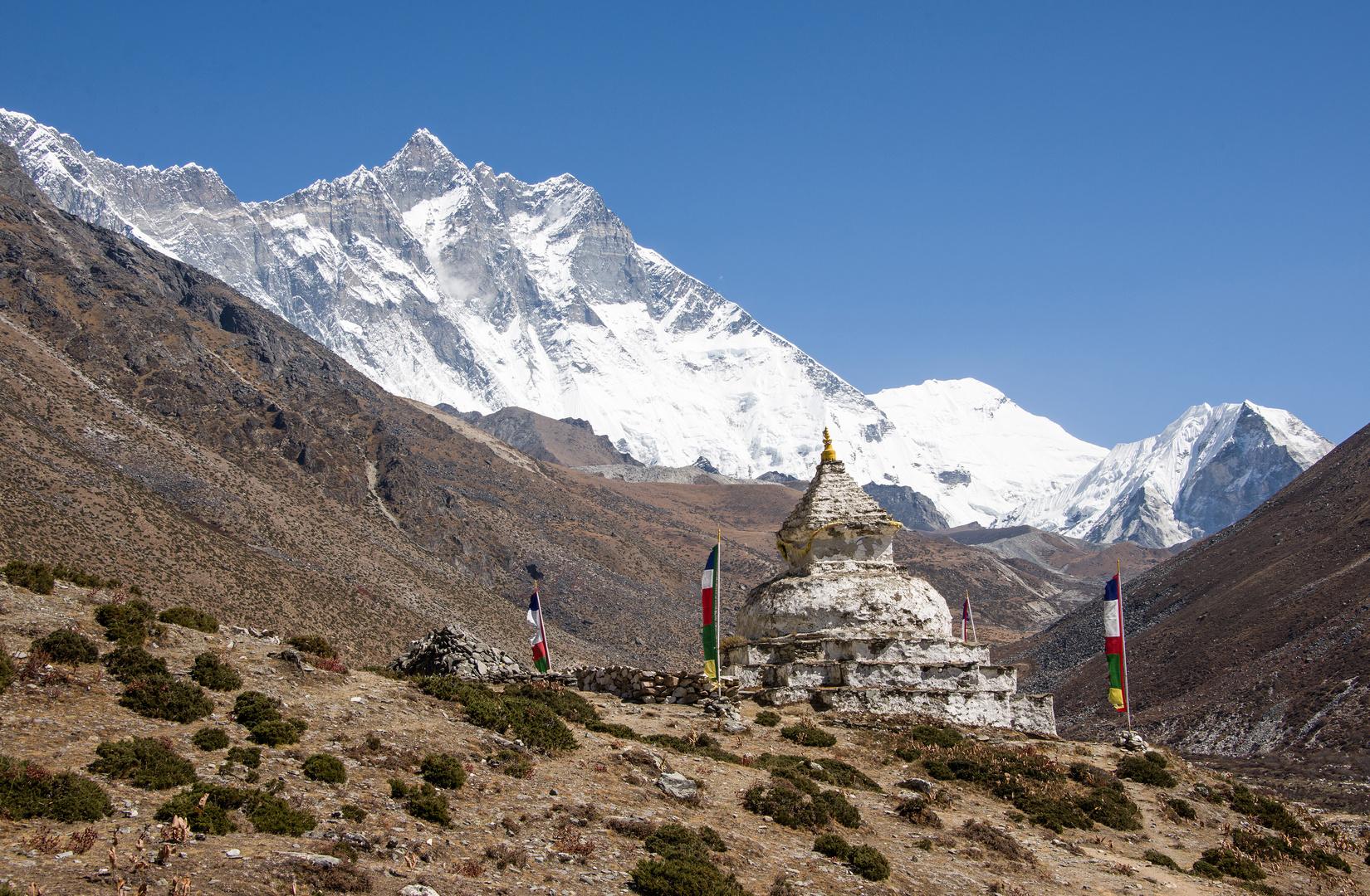 Stupa oberhalb von Dingboche