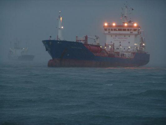 Sturm am Hafen in Hongkong
