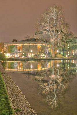 Stuttgart bei Nacht - Das Staatstheater