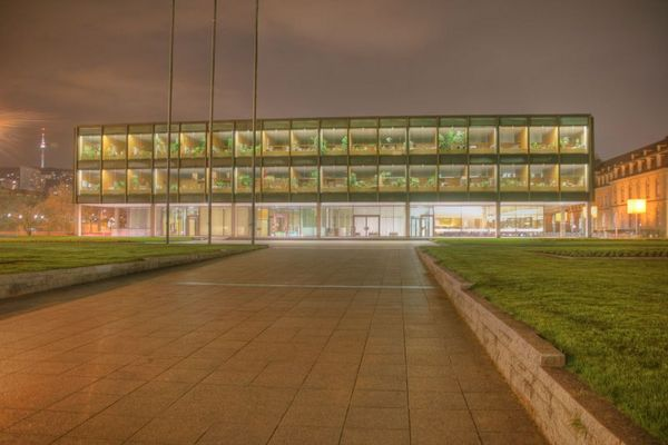Stuttgart bei Nacht - Der Landtag