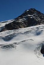 Suchbild: finde die zwei wagemutigen Skifahrer