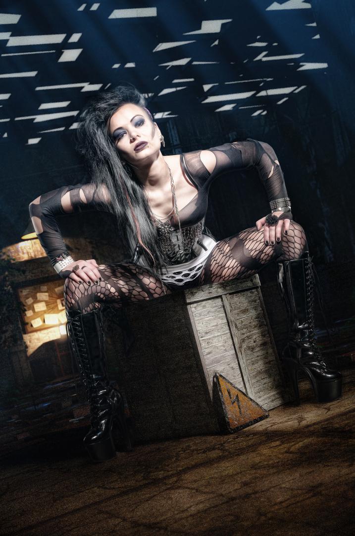 Sue as Goth