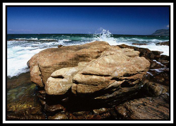 Südafrika das Meer und der Stein